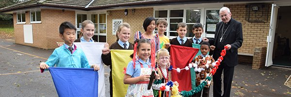 St Francis pupils help launch the Extraordinary Month of Mission